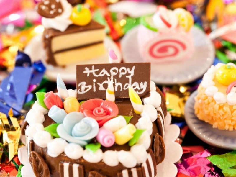 Denby-birthday-sweets-Totik-a-piece-of-cake-cream-chocolate-candles-confetti